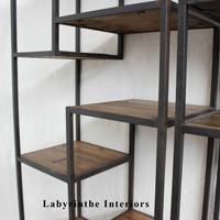 etagere vintage labyrinthe interiors ecoute le bois. Black Bedroom Furniture Sets. Home Design Ideas